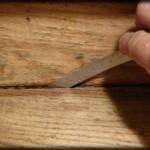 Décaper un escalier en bois